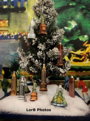 Empire State Bldg Window Mini Christmas Tree