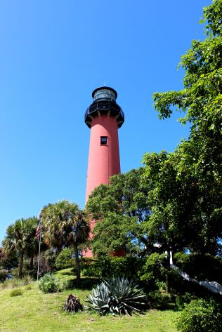b-lighthouse-7