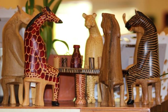 miniture-wooden-aminals